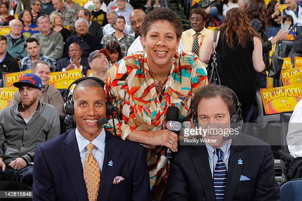 TNT commentators Reggie Miller Cheryl Miller and Kevin Harlan wear blue Autism Awareness lapel pins during the game between the Dallas Mavericks and...