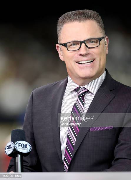 Commenter Howie Long looks on prior to the NFC Championship game between the Los Angeles Rams and the New Orleans Saints at the MercedesBenz...