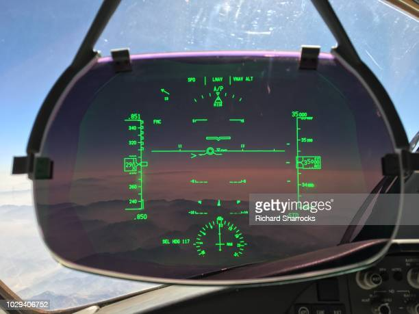 commercial aircraft heads up display (hud) - hud graphical user interface stock photos and pictures