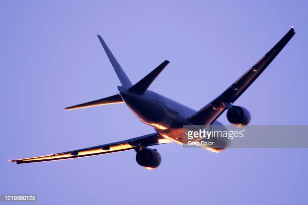 commercial airliner - greg bajor stock pictures, royalty-free photos & images