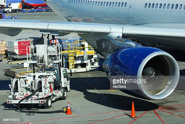 Commercial Airplane Refueling