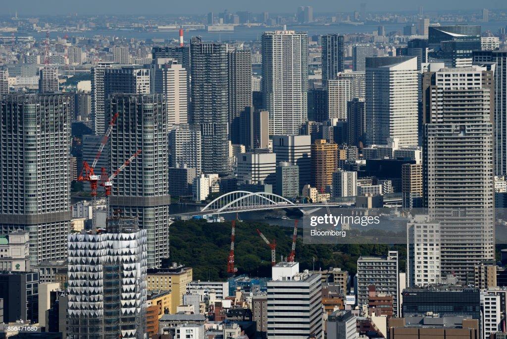 Tokyo Skyline As Bank Of Japan Releases Third-Quarter Tankan Report : ニュース写真