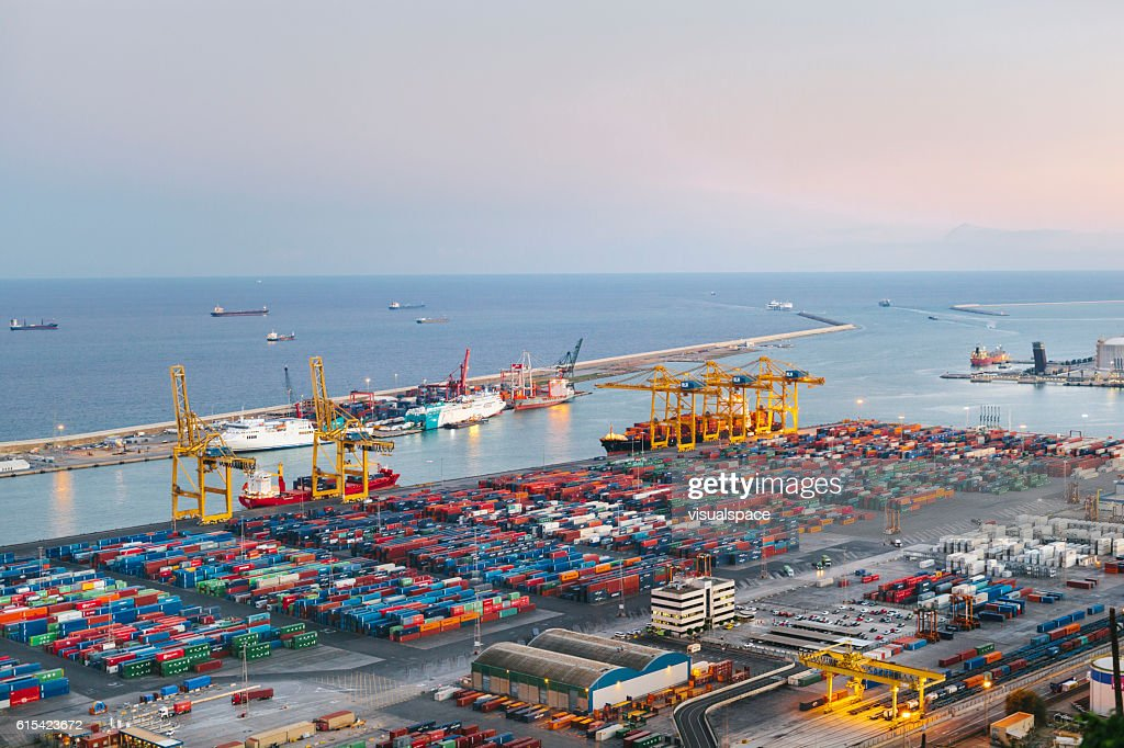 Commercial Dock With Containers And Cranes : Foto de stock