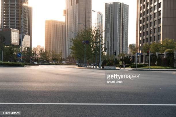 commercial street - 都市生活 ストックフォトと画像