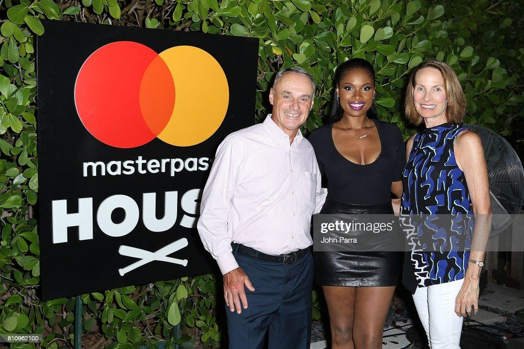 SU2C Jennifer Hudson Concert At The Masterpass House