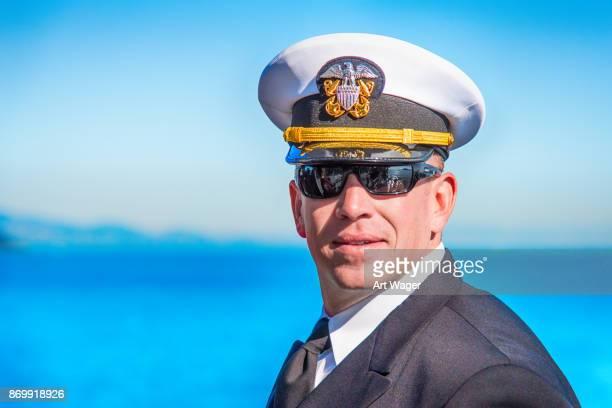 艦隊の週の間に委託の海軍士官 - 将校 ストックフォトと画像
