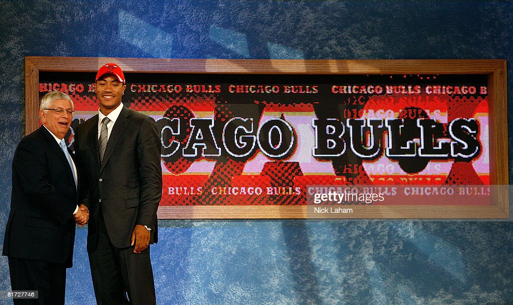Commissioner David Stern shakes hands with number one draft pick for the Chicago Bulls, Derrick Rose during the 2008 NBA Draft at the Wamu Theatre at Madison Square Garden June 26, 2008 in New York City.