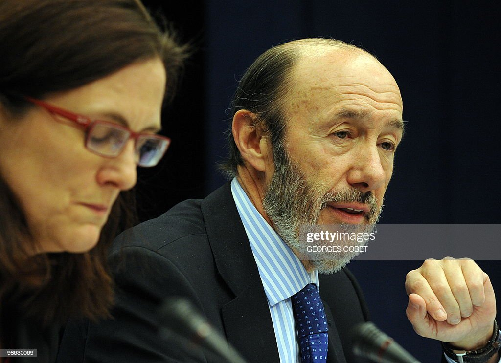 EU commissioner for Home Affairs Cecilia Malmstrom (L) and Spanish minister of Interior Alfredo Perez Rubalcaba (R) give a joint press conference at the end of the Justice and Home Affairs Council meeting on April 23, 2010 at the EU headquarters in Brussels.