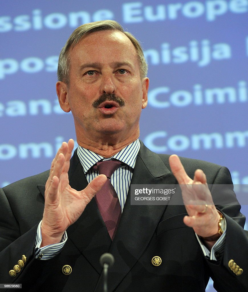 EU commissioner for Transport Siim Kalla : Nieuwsfoto's