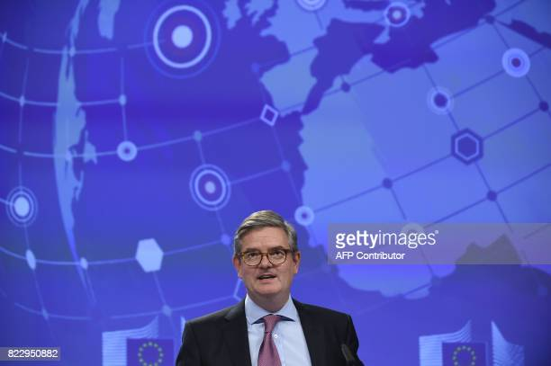 Commissioner Julian King gives a joint press on Security Union at the EU Headquarters in Brussels on July 26 2017 / AFP PHOTO / JOHN THYS