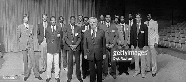 Commissioner, Larry O'Brien poses for a group photo with the 1982 NBA Draft Class at the Felt Forum during draft night in New York, New York on June...
