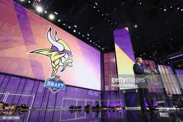 Commissioner Roger Goodell announces a pick by the Minnesota Vikings during the first round of the 2018 NFL Draft at ATT Stadium on April 26 2018 in...