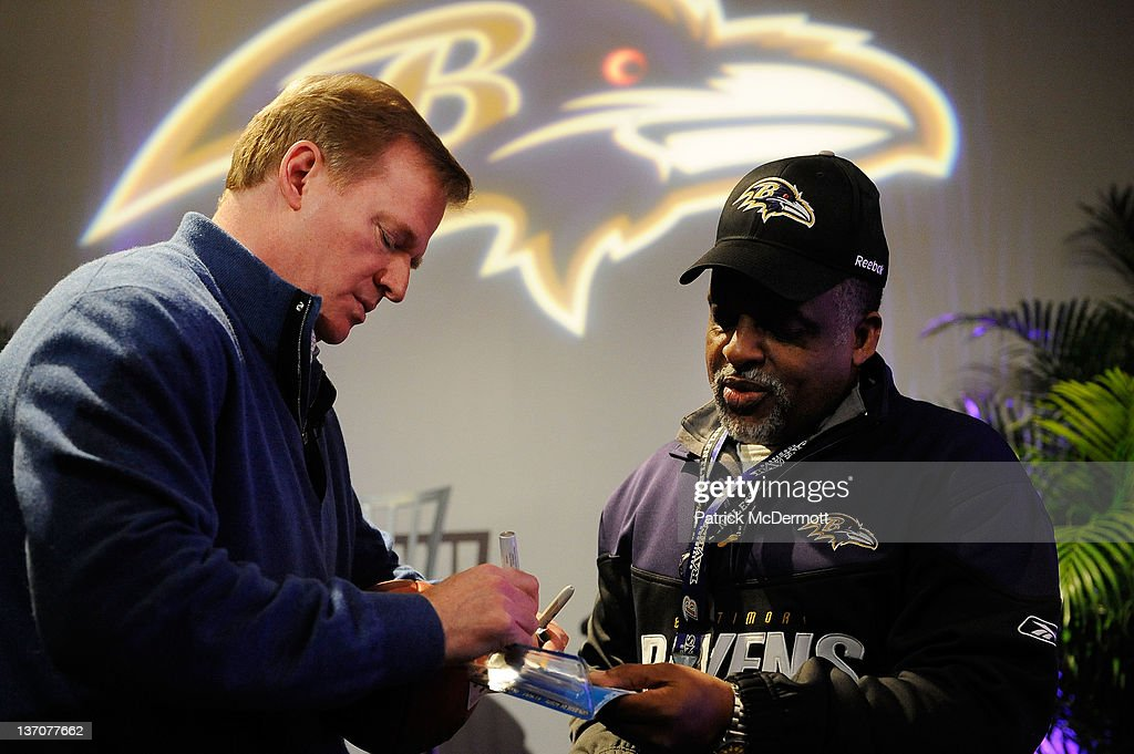 Divisional Playoffs - Houston Texans v Baltimore Ravens : News Photo