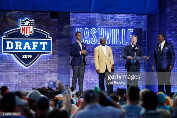 NFL commissioner Roger Goodell welcomes the crowd to the first round of the NFL Draft on April 25 2019 in Nashville Tennessee