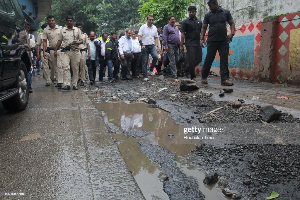 Thane Municipal Commissioner Sanjeev Jaiswal Inspects Inspect The Bad Condition Of Roads