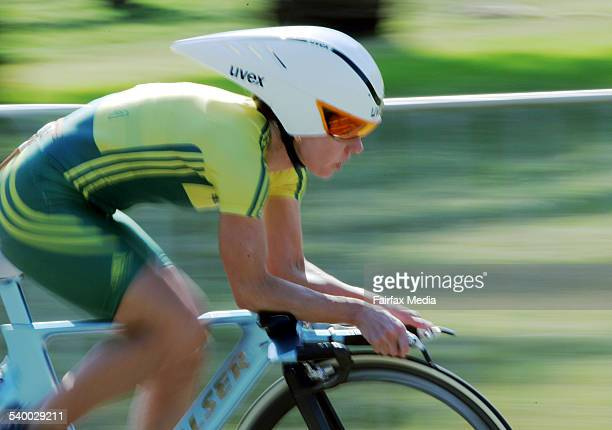 Commonwealth Games 2006 Australian silver medal winner Kathy Watt in action during the women's time trial on the St Kilda foreshore at the 2006...