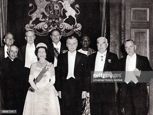 Commonwealth leaders meet in London 1960 Left to right Federation of Rhodesia and Nyasaland Sir Roy Welensky India Jawaharlal Nehru Harold MacMillan...