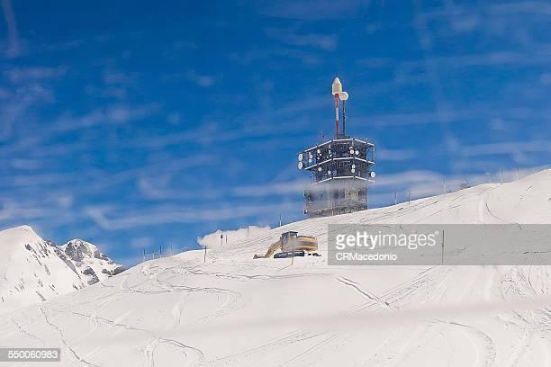 communications tower - crmacedonio stockfoto's en -beelden