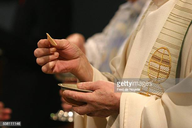 communion at church in le fayet - communion stock pictures, royalty-free photos & images