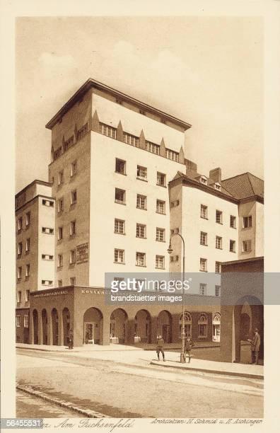 Community building in Vienna's Fuchsenfeld, designed by Heinrich Schmid and Hermann Aichinger. Photography. 1923. [Am Fuchsenfeld, Wohnhausbau der...