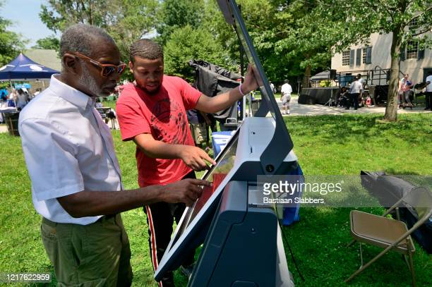 community festival in germantown's vernon park, in philadelphia, pa - basslabbers, bastiaan slabbers stock pictures, royalty-free photos & images