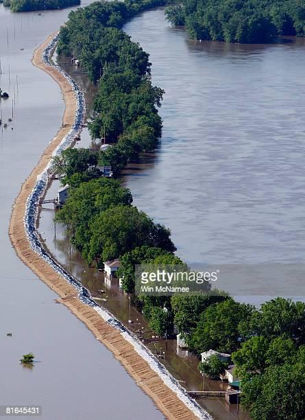 30 Top Mississippi River Towns Brace For Major Flooding
