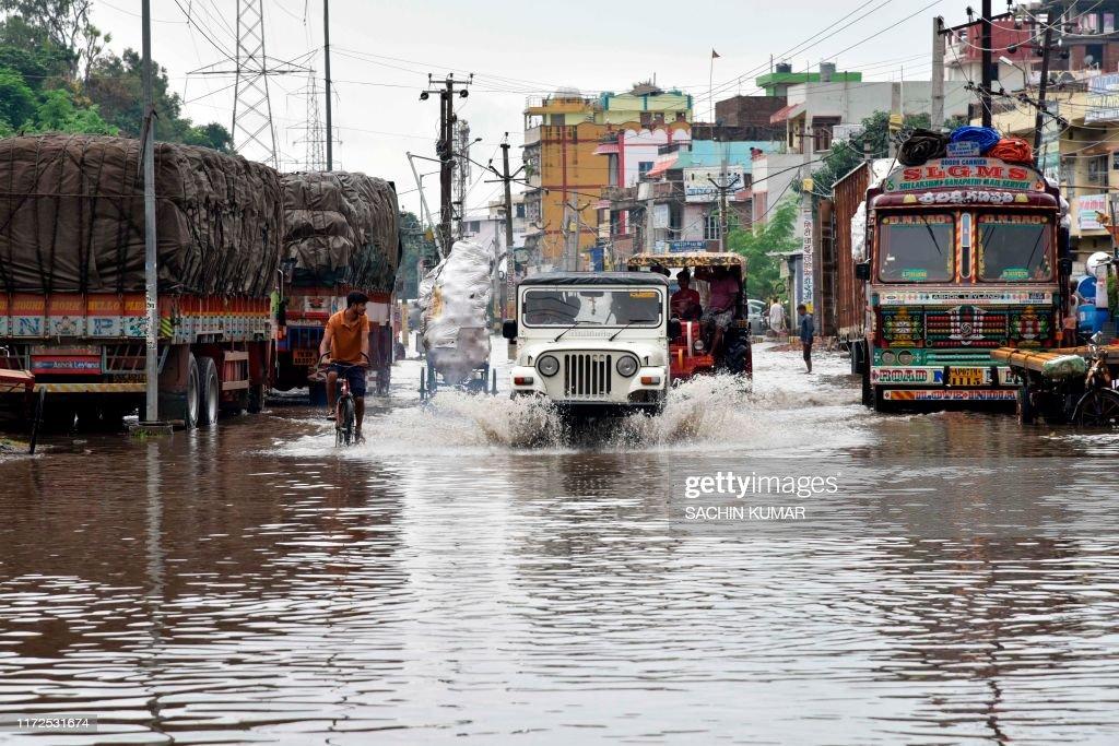 INDIA-WEATHER-RAIN : News Photo