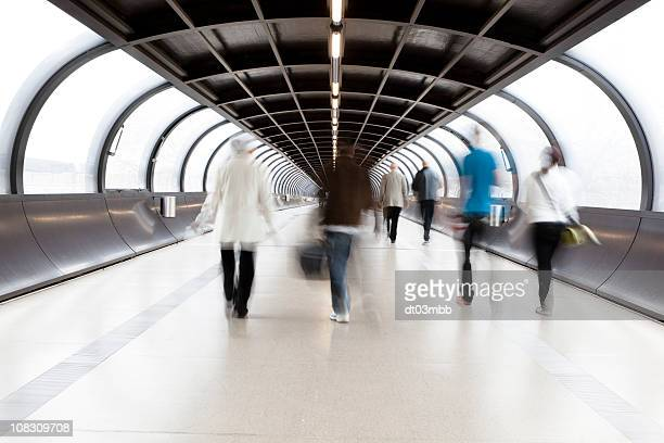 commuters - passenger boarding bridge stock pictures, royalty-free photos & images