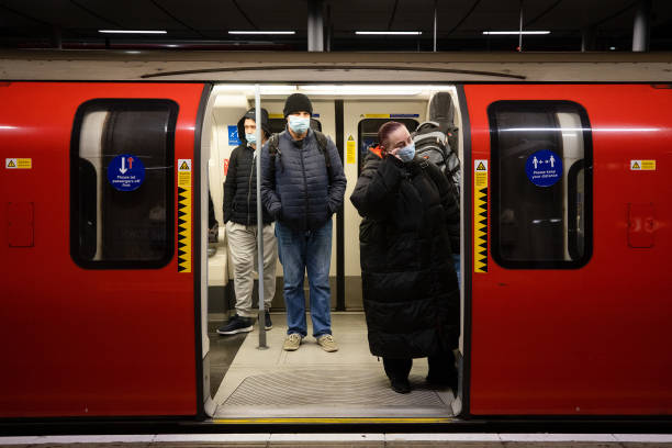 GBR: Commuters As England Isn't Listening to Lockdown Orders Any More
