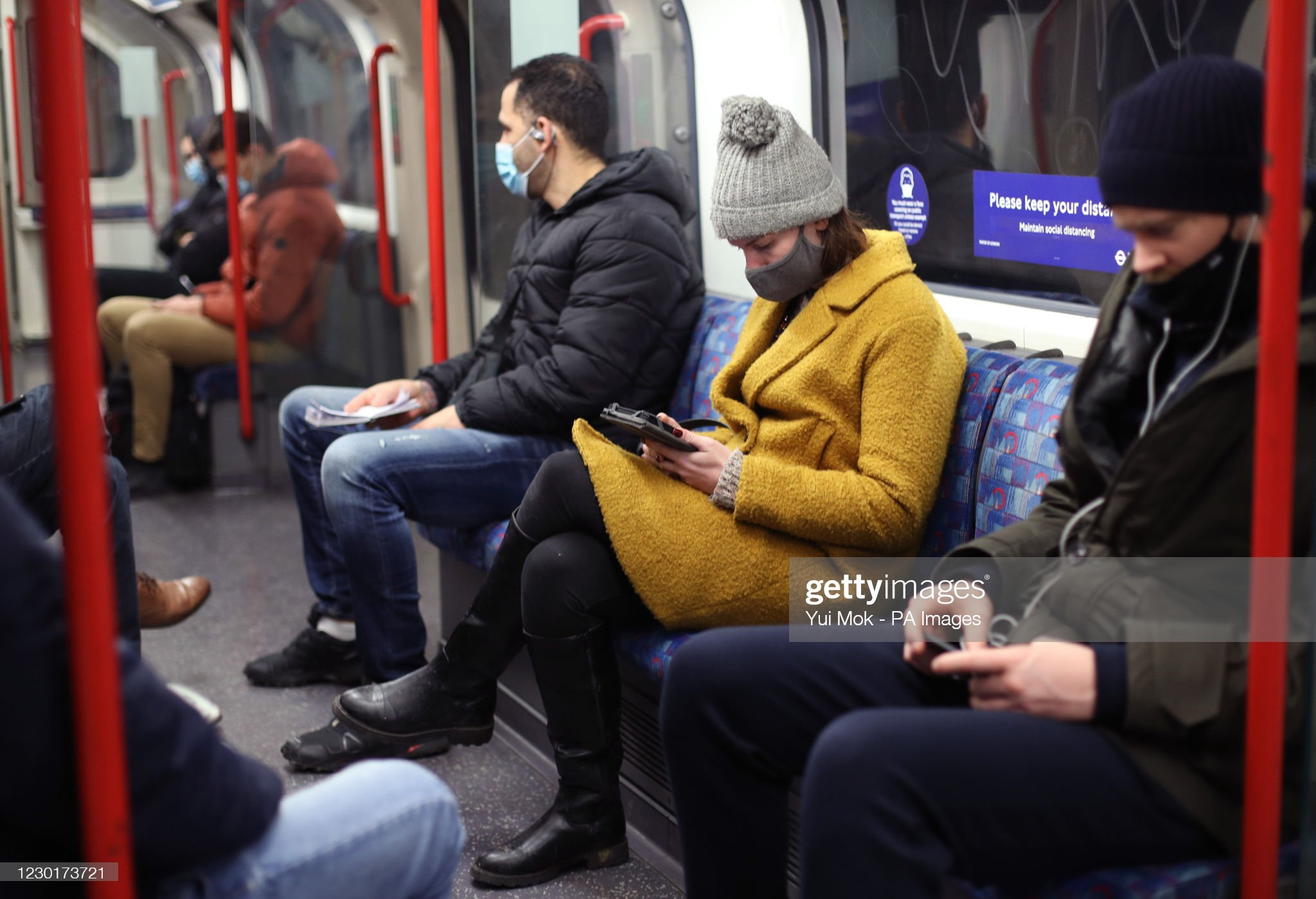 Coronavirus - covid -- London Tube riders