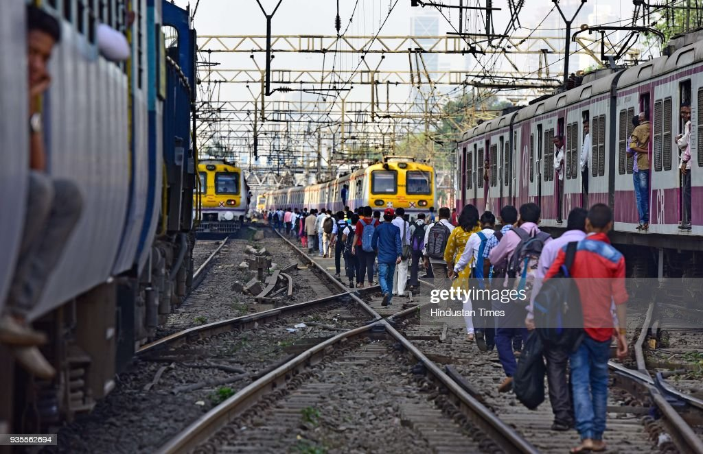 Students Call Off Rail Roko Protest In Mumbai