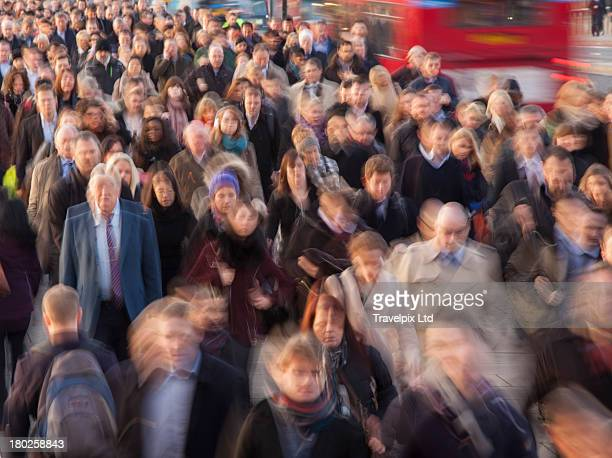 commuters walking to work, rush hour, london - traffic stock pictures, royalty-free photos & images