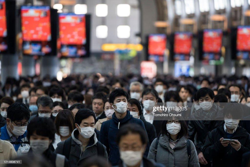 Japan Battles Against The Coronavirus Outbreak : News Photo
