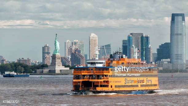 commuting to manhattan - staten island ferry stock pictures, royalty-free photos & images