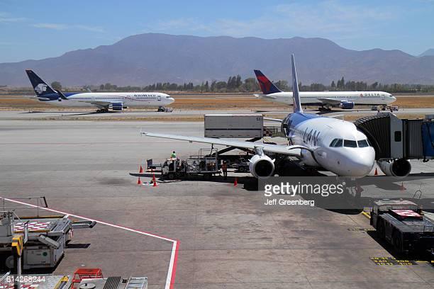 Comodoro Arturo Merino BenÕtez International Airport LAN Arilines aircraft refueling