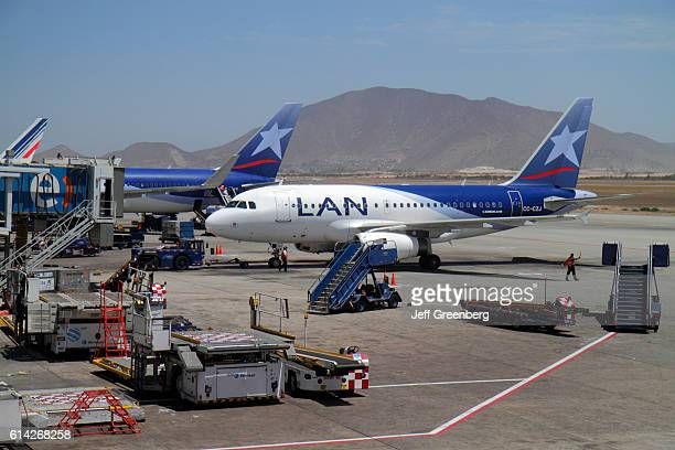 Comodoro Arturo Merino BenÕtez International Airport LAN Arilines aircraft