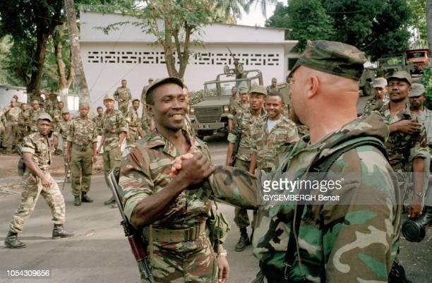 Comores 5 octobre 1995 L'intervention des forces françaises contre le coup d'Etat perpétré par le mercenaire Bob Denard et ses hommes qui ont...