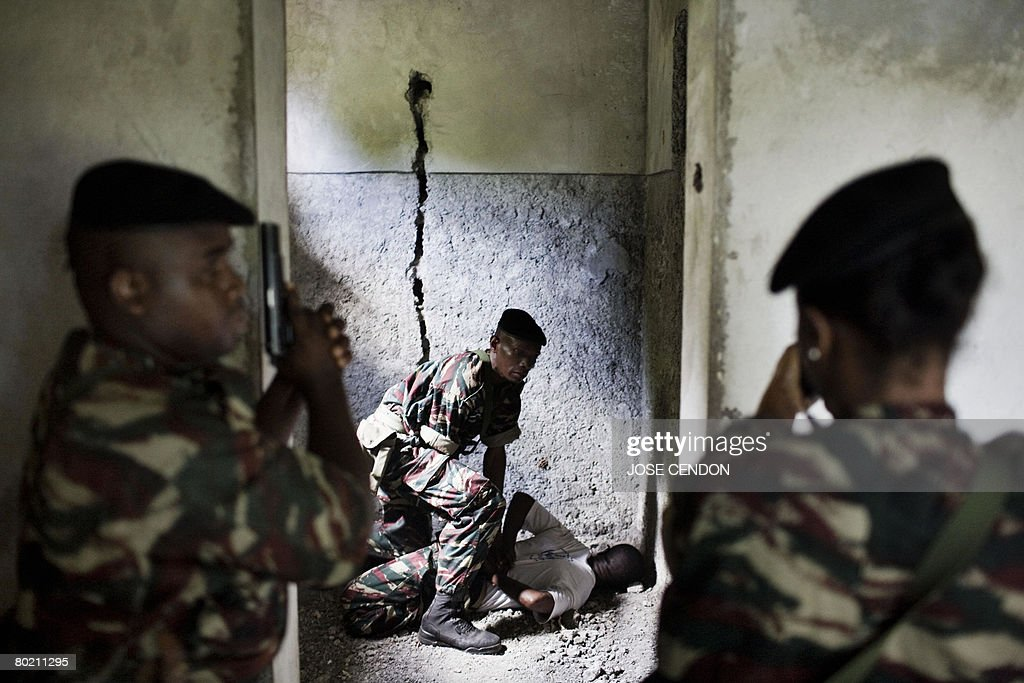 Comorian troops take part in military tr : News Photo