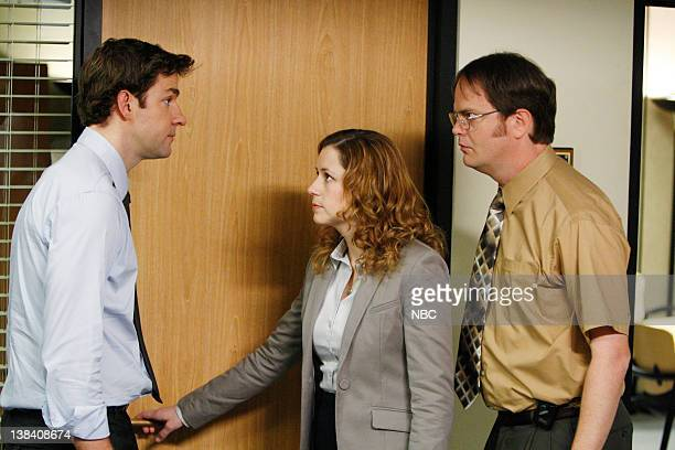 THE OFFICE Company Picnic Episode 26 Pictured John Krasinski as Jim Halpert Jenna Fischer as Pam Beesly Rainn Wilson as Dwight Schrute