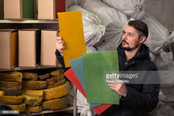 色によって蜜蝋シートの比較。