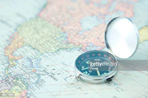 compass on world map - compass ストックフォトと画像
