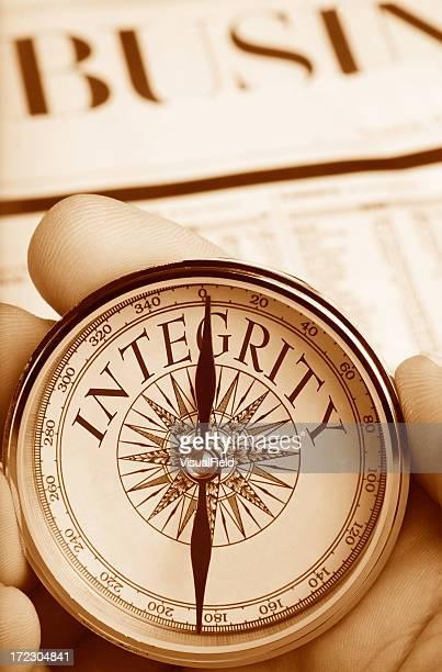Compass zeigt den Weg für Integrität in Business