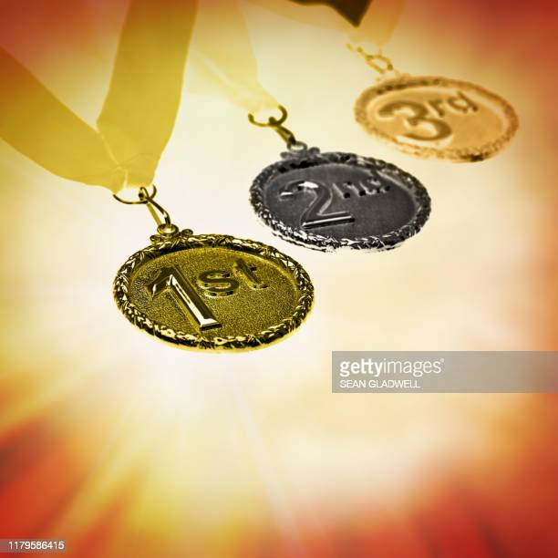 competition medals - global awards stock pictures, royalty-free photos & images