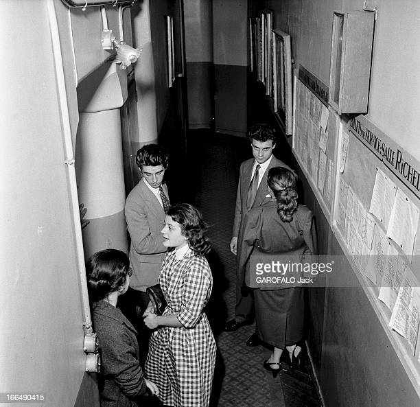 Competition Of The Tragedy And Comedy Conservatory In Paris 1953 Paris les coulisses du concours du conservatoire de tragédie et de comédie Ambiance...