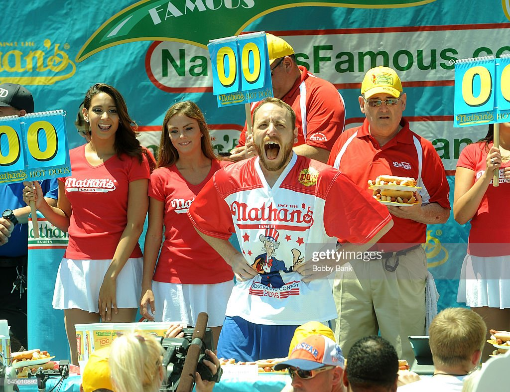 2016 Nathans Famous 4th Of July International Hot Dog Eating Contest