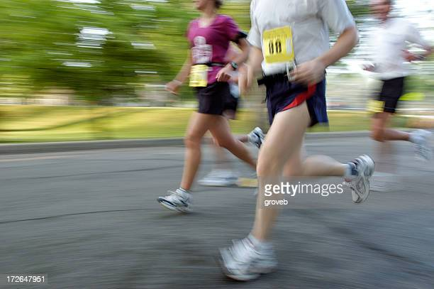 competitive runners - 5000 meter stock pictures, royalty-free photos & images