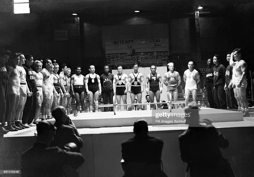 London Olympic Games 1948 - Weightlifting - Earls Court : News Photo