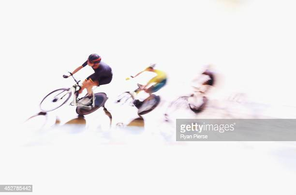 Competitors race during the Men's 20km Scratch race Qualifying at Sir Chris Hoy Velodrome during day four of the Glasgow 2014 Commonwealth Games on...