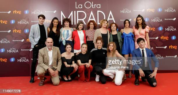 Complete cast of the series attends La Otra Mirada RTVE photocall on May 14 2019 in Madrid Spain