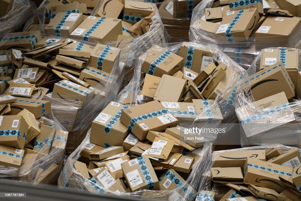 Amazon Prepares For Black Friday Sale : News Photo
